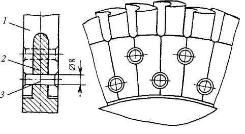 Рабочая лопатка турбины с простейшим вильчатым хвостовиком